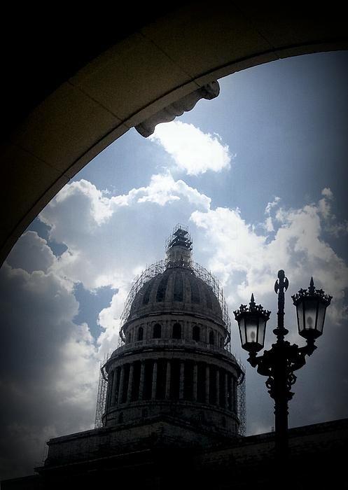 Half Arch by Zinvolle - Photo taken in Havana, Cuba
