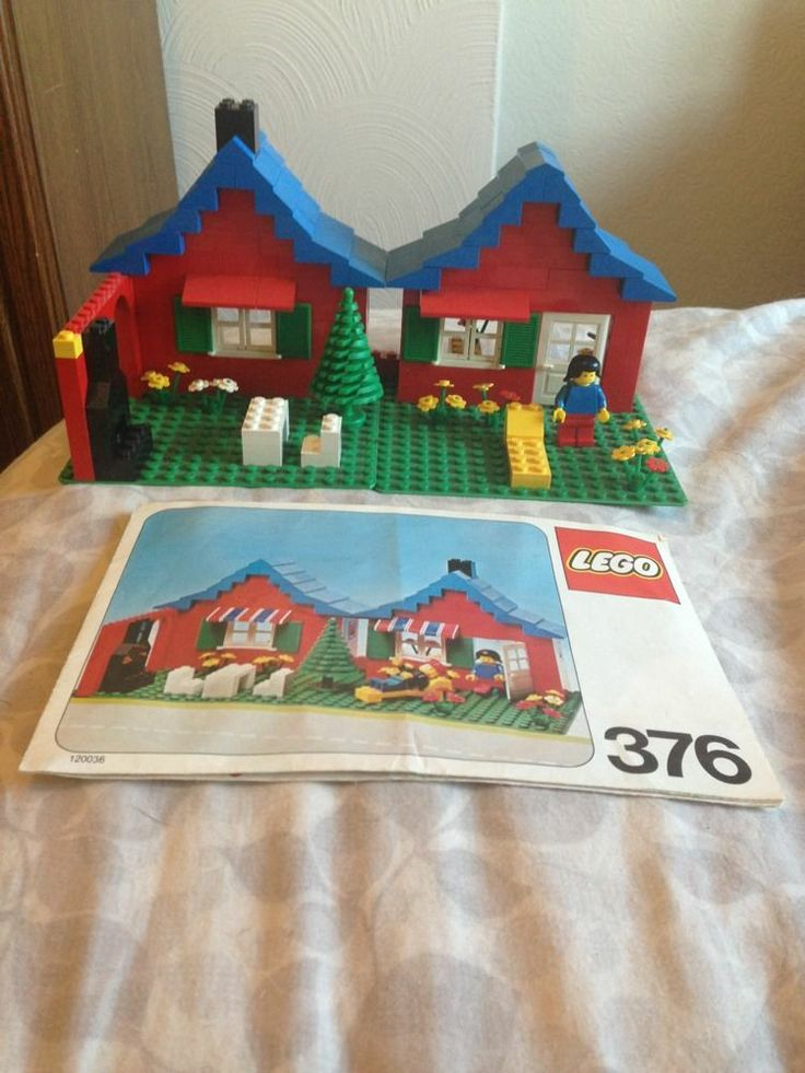 1980'S Vintage Lego Folding House With Instruction Book. I think I remember having this set as a kid.