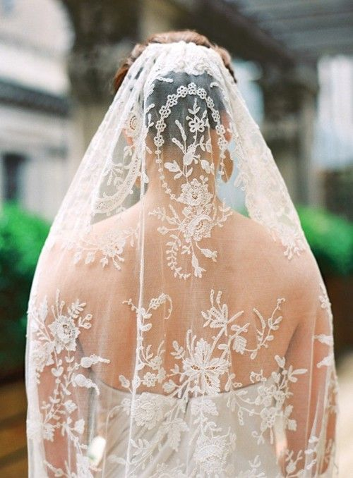Beautiful lace wedding veils  http://www.outerinner.com/veils-cg-24.html  #weddingveils #wedding