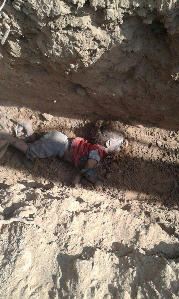 ΣΥΡΙΑ Παράπλευρες απώλειες δεκάδες αμάχους και τουλάχιστον 11 παιδιά σκότωσε η συμμαχία των ΗΠΑ με αεροπορικούς βομβαρδισμούς κοντά στο Manbij