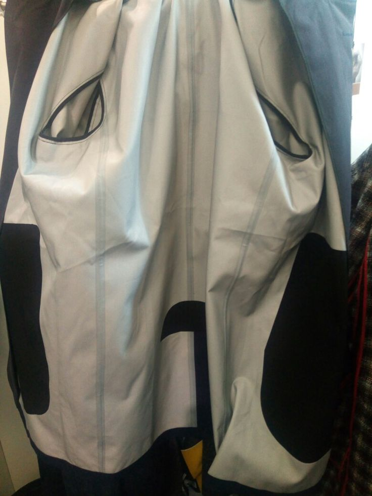 Raincoat bounded seams with 3 layers tape.