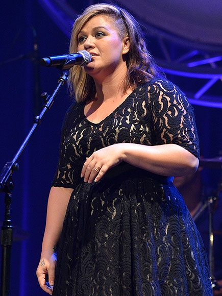 Is New Mom Kelly Clarkson Making New Music? http://www.people.com/article/kelly-clarkson-will-release-new-album-2015 CANT WAIT!