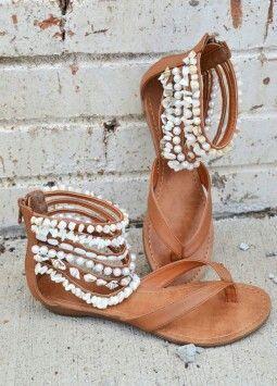 Cute flat shoes....