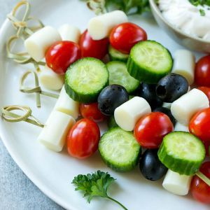 These string cheese kid kabobs are a great way to get your little ones to eat veggies! #ad