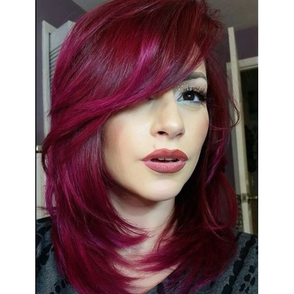 les 25 meilleures id es concernant cheveux rouge magenta sur pinterest cheveux magenta et. Black Bedroom Furniture Sets. Home Design Ideas