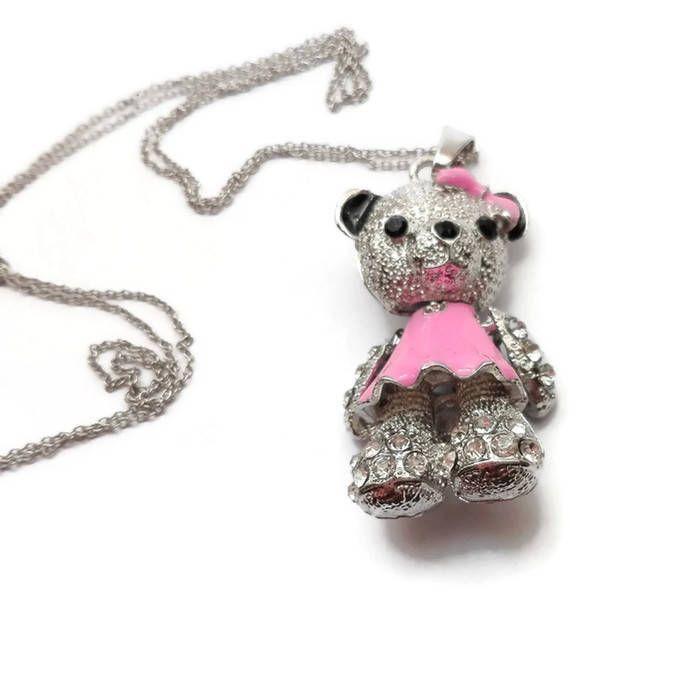 Catena in acciaio con graziosa orsetta, completamente snodabile, con vestitino rosa e fiocco rosa. regalo di compleanno, regalo per lei di CoccinellaShop83 su Etsy