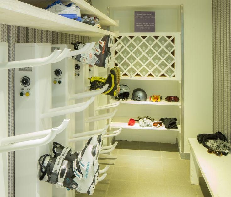 skiroom h tel le faucigny pinterest. Black Bedroom Furniture Sets. Home Design Ideas