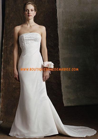 Robe de mariée simple balnche avec traîne