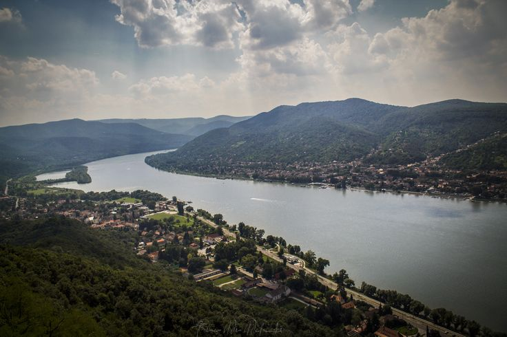 Danube bend Photo by ©Timea Mia Medveczki
