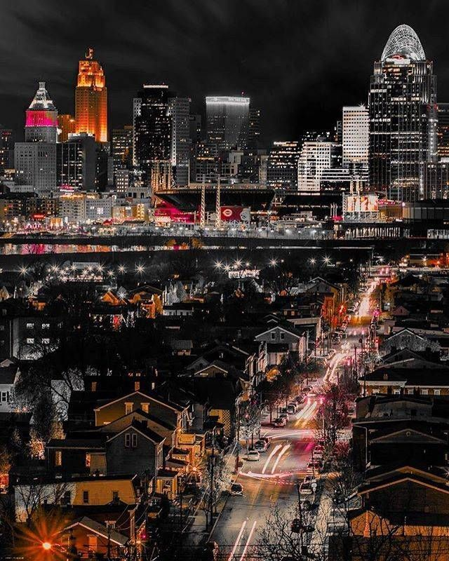 The Views In Northern Kentucky Are Jaw Dropping What A Great Night Photo Of The Cincinnati Skyline Cincinnati Skyline Ohio Travel City Skyline Night