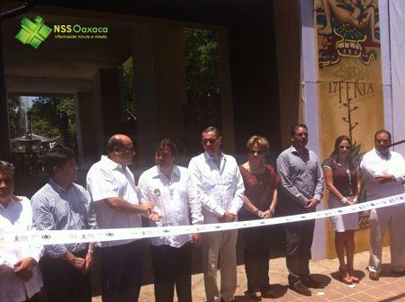 Inicia Feria del Mezcal en Oaxaca