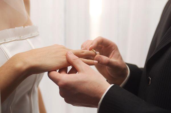 5 tradições de casamento eternas. #casamento #tradicoes #noivos #aliancas #aneis