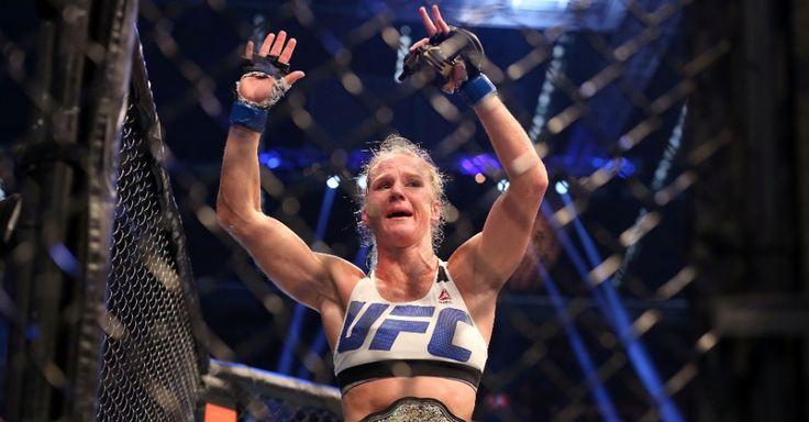 A lenda caiu. De maneira impressionante, Ronda Rousey conheceu sua primeira derrota no MMA, neste sábado (14), no combate principal do UFC 193. A responsáv...