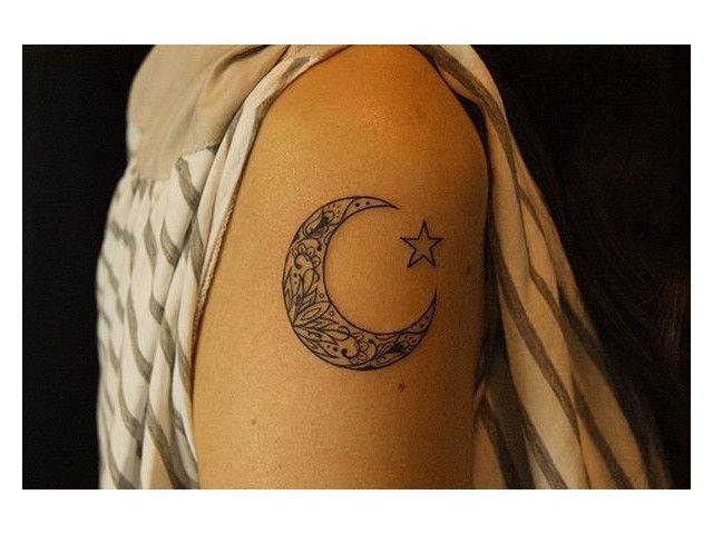 Les 25 meilleures id es de la cat gorie tatouage d 39 clair - Tatouage de lune ...