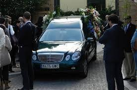 Muere uno de los mejores cantantes de España,Manolo Escobar http://radiopatiodeluxe.blogspot.com.es/p/ultima-hora-benidorm_25.html
