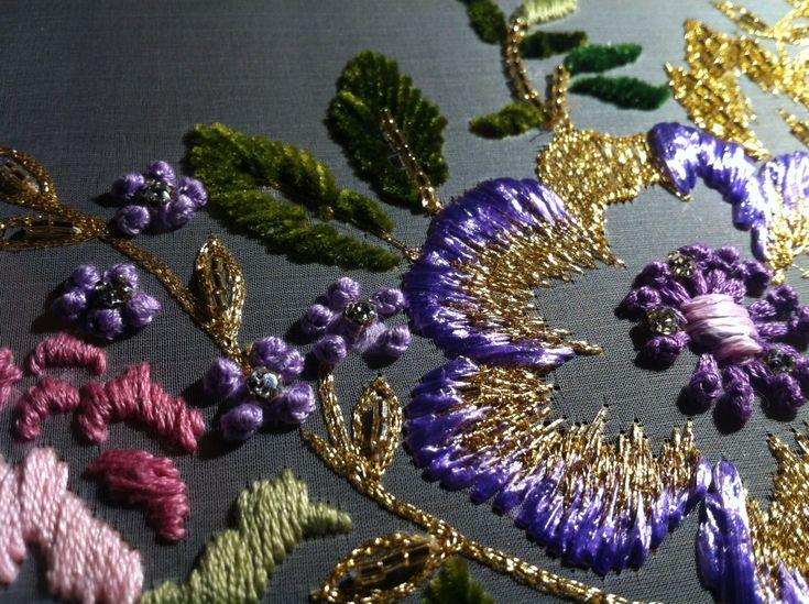 Ecole Lesage  #hautecouture #broderiedart #tambourembroidery #beading #frenchknot Embroidered by Saskia ter Welle, www.saskiaterwelle.com