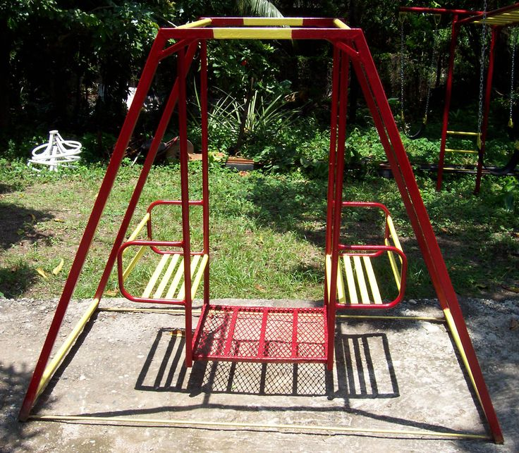 When was the last time you saw a swing like that?  OMG ... we had one Exactly like this in our back yard! ... oh, memories ...