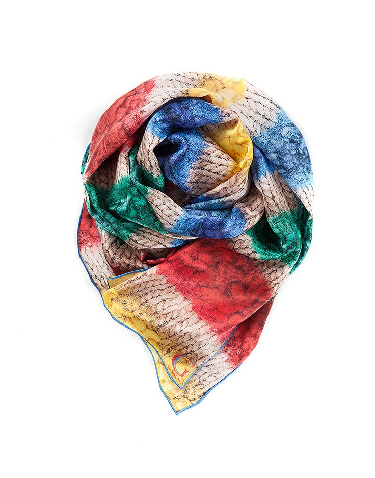 TO CELEBRATE CANADA'S 150TH YEAR in 2017, GŌBLE CREATED THE CANADIANA COLLECTION. SILK PRINT SCARVES FOR WOMEN in luxurious satin silk in Canadiana Prairies GŌBLE luxurious rectangular silk print scarves elevate any outfit with the grace and artistry of trompe l'oeil. GOBLE.CA