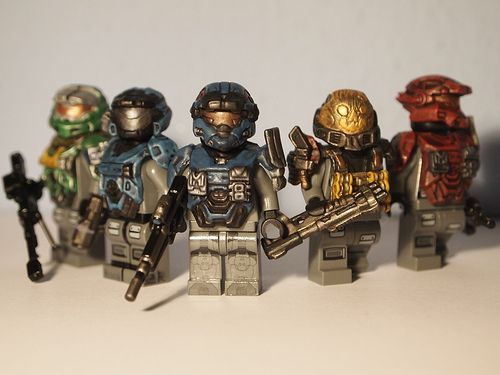 If you are a Halo fan then you will love these Halo Reach Noble Team custom minifigures. Each one is wearing different armour which has been expertly hand painted, and then the helmets have been painted to match the colour of the armour.