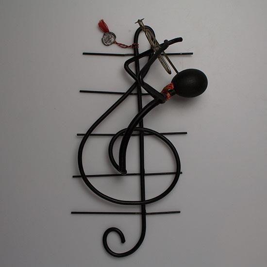 Annons på Tradera: G-klav stringfigur, väggskulptur, Bror Bonfils, Danmark…