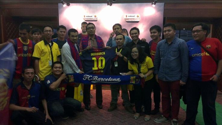 @INDOBARÇA feat Marcomm team of @i sat Mania #IndosatBarca