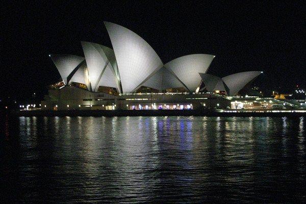 """Sydney """"Content"""" House"""