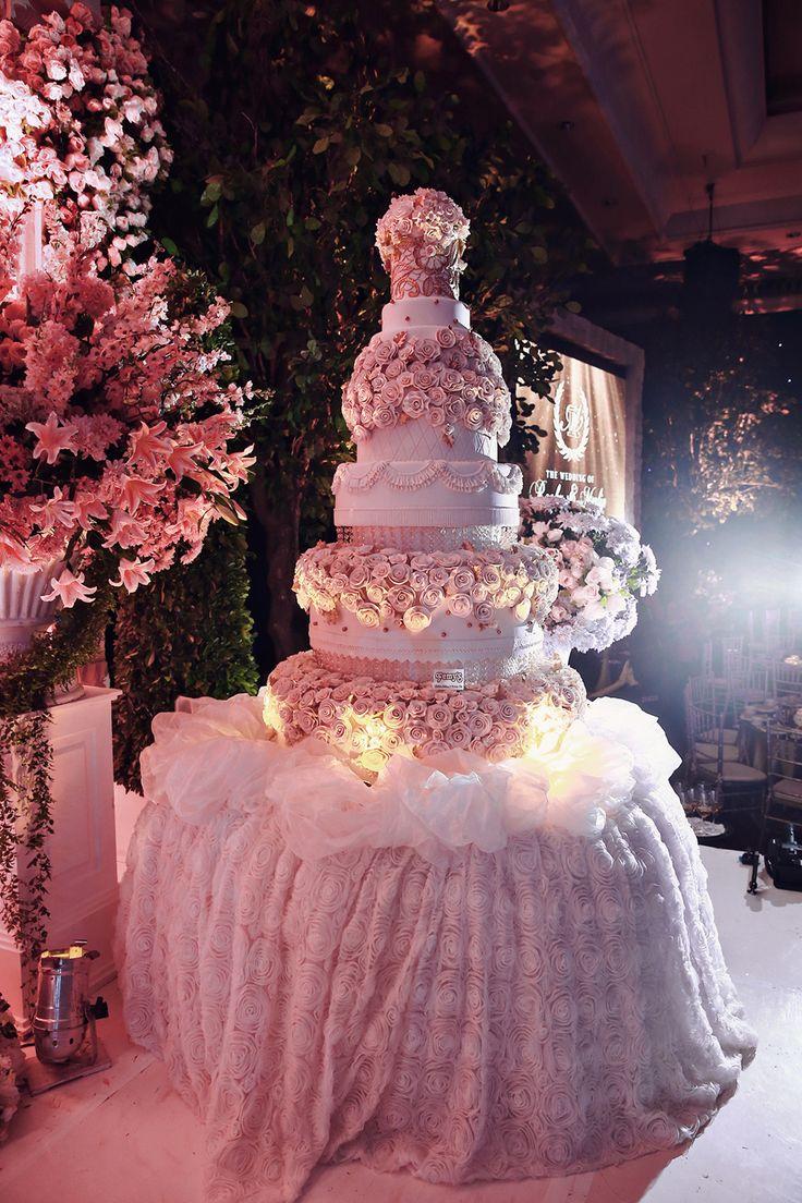 Glamorous wedding cake | Grecian Garden Wedding: Rocky + Merlin