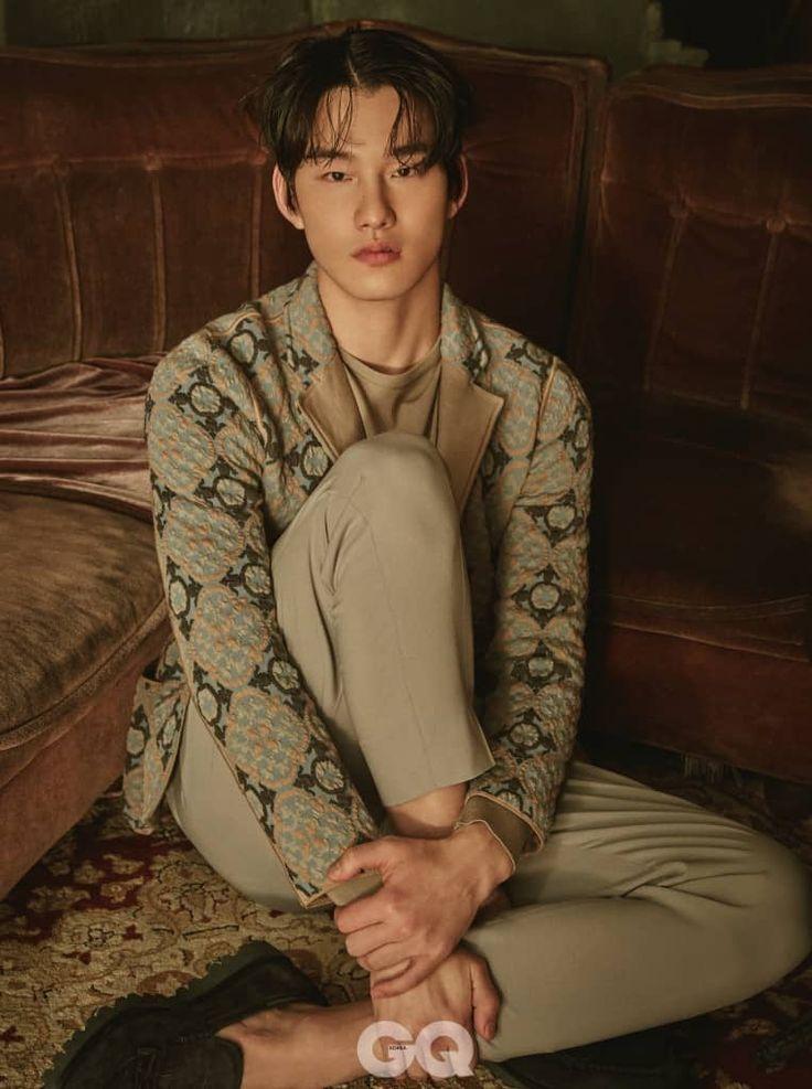 LONG WAITING | GQ KOREA (지큐 코리아) 남성 패션 잡지