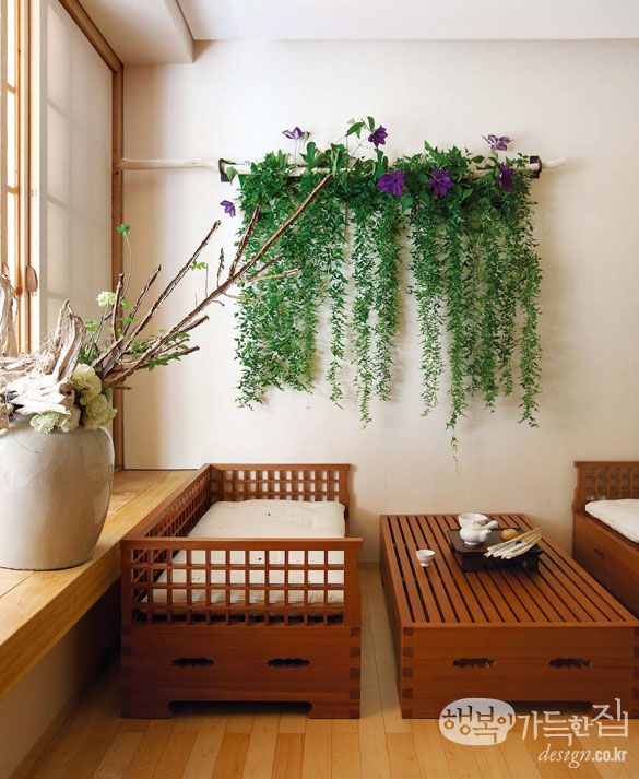 Le bouquet full of happiness at home _ before Hanok Art de Viver lay flowers along the grain