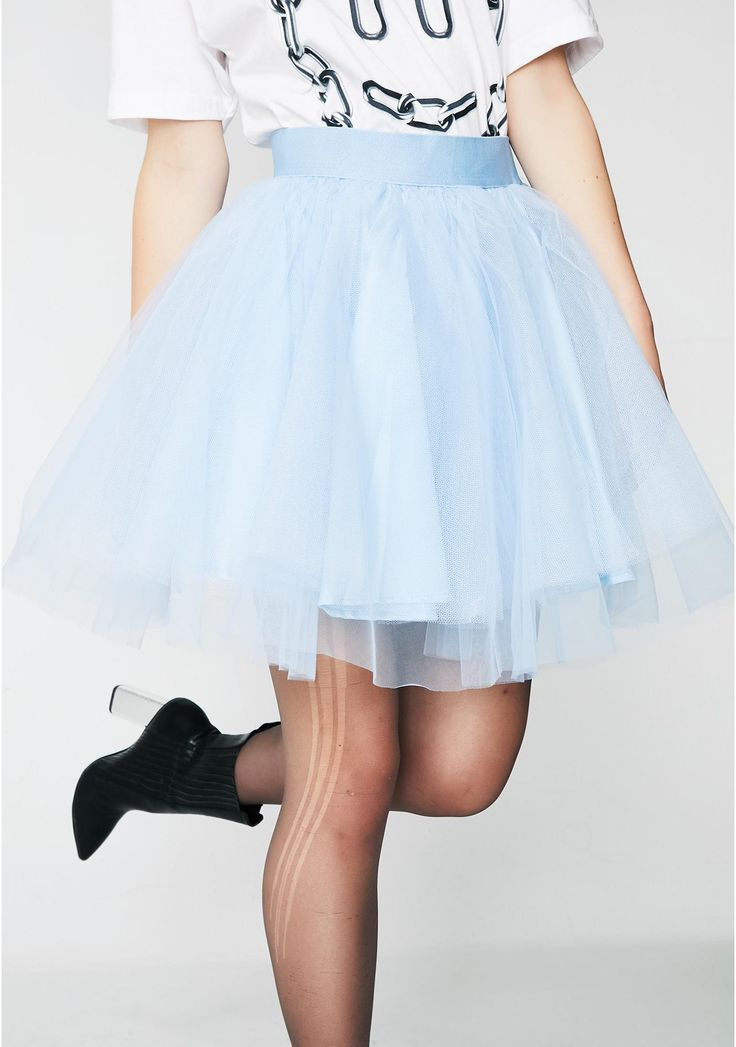 Champagne Mami Tutu Skirt will have you in the VIP poppin' bottles and twirlin' on the haterz. This tulle tutu mini skirt is baby blue with an elastic waistband.