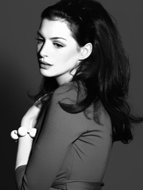 Anne Hathaway -  by Annie Leibovitz...The most beautiful photo i have seen of Anne Hathaway, love it...                                                                                                                                                      More