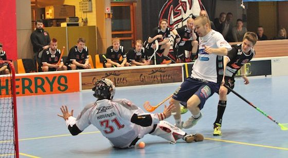 Happee Floorball player Jonne Junkkarinen & Zero Point Calf Sleeves