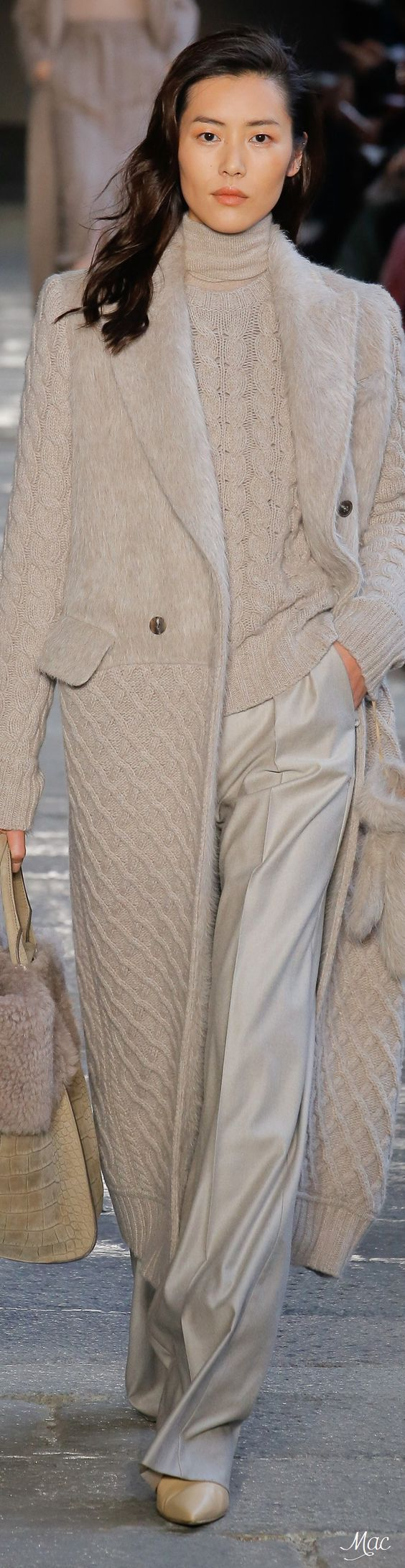 Fall 2017 RTW Max Mara. I have always been a fan of MM coats. If I lived in Europe, I would be at Max & Co. all the time. I wish he would bring this chain to the US or let us just purchase on-line!!!!: