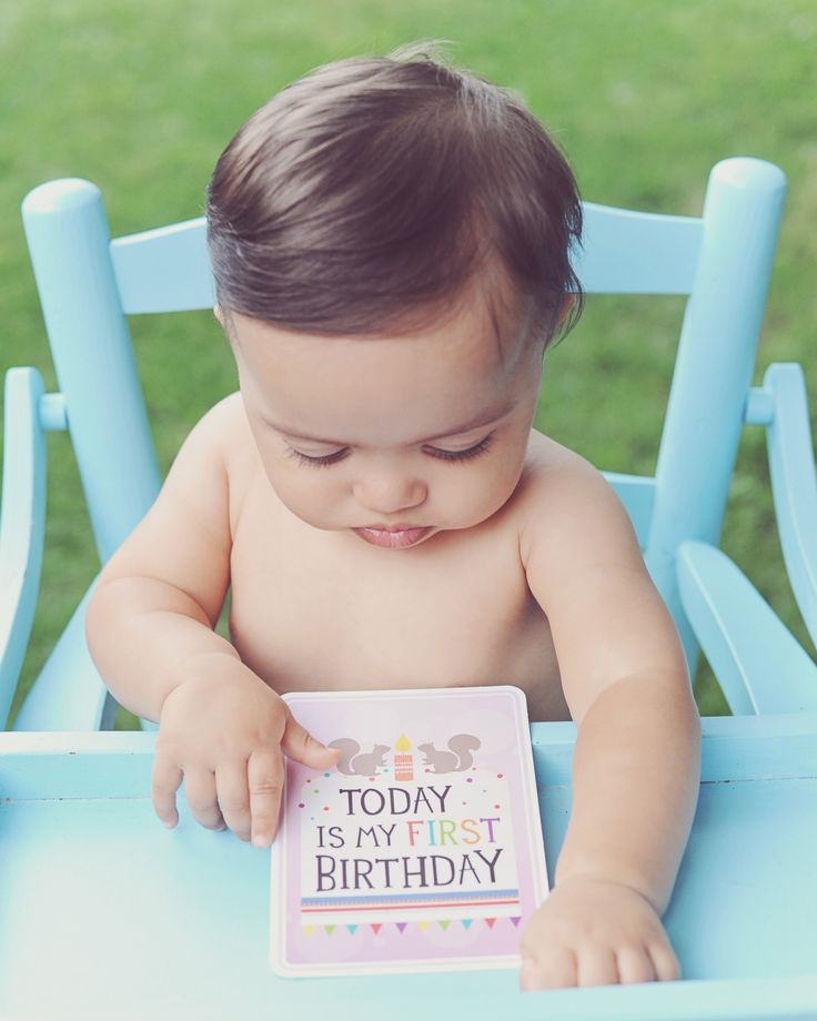 Milestone Baby Cards Gender Neutral Baby Gift via First and Little.