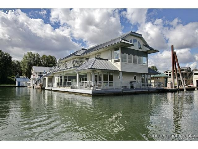 78 best images about dream houseboat on pinterest lakes for Floating homes portland