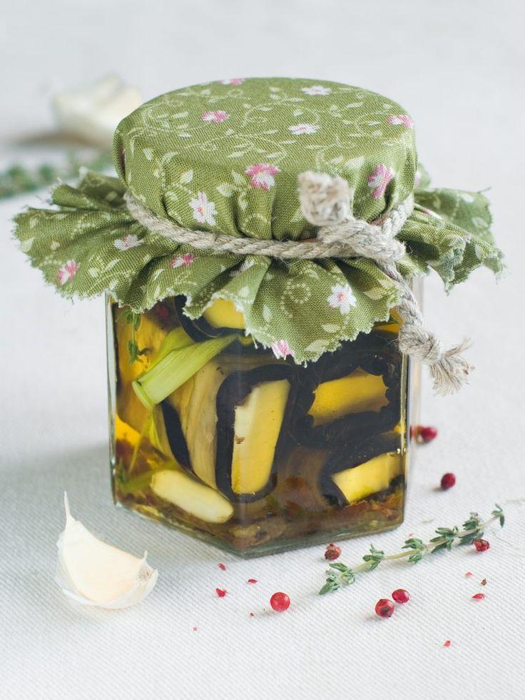Представляем интересные рецепты для зимних заготовок из баклажанов.