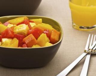 Salade pastèque, ananas et melon : http://www.fourchette-et-bikini.fr/recettes/recettes-minceur/salade-pasteque-ananas-et-melon.html