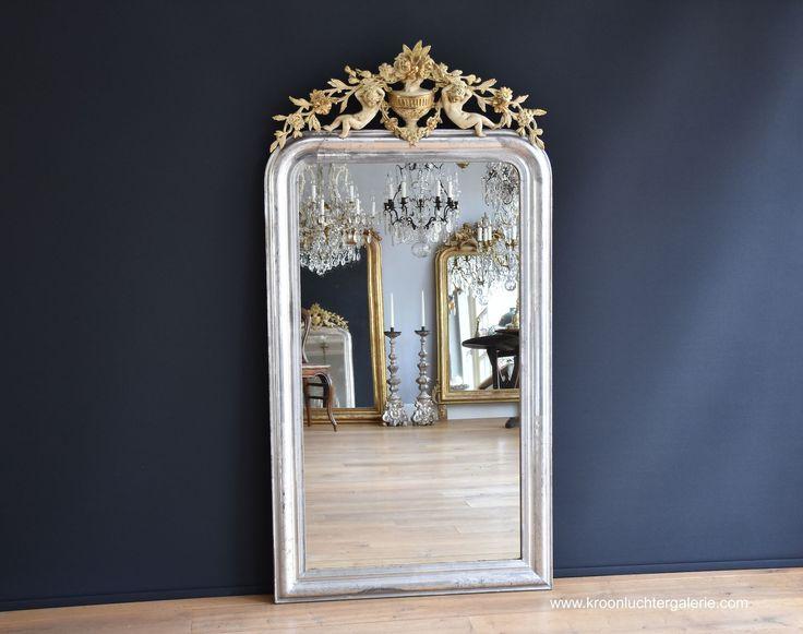 Antiker französischer Spiegel mit einer Krone, Blattsilber  (H:161xB:84cm) www.kroonluchtergalerie.com