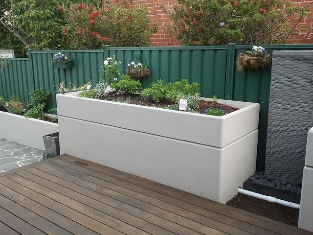1000 Images About Gardening Flower Beds Containers On 400 x 300