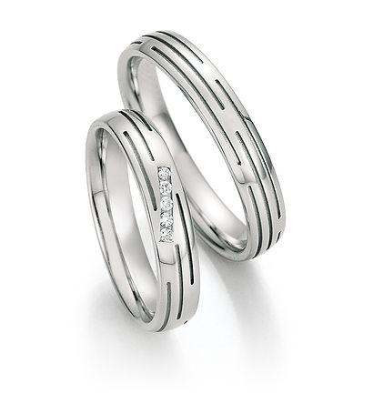 Op zoek naar witgouden ringen 14 karaats? Kijk op www.trouwringenvoordeel.nl voor onze ruime collectie witgouden ringen met diamant. - € 550,00