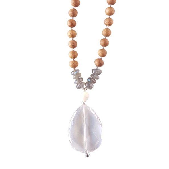 *Clear Quartz, Labradorite, Mother of Pearl* Keeping you from falling into unconscious patterns of behaviour, the Manifesting Mama Mala is a tangible reminder that you have the power to manifest your dreams. Whether you want to take a six-month sabbatical with your family to travel the world, move to a cozy cottage by the beach or create a life of unbounded freedom the Manifesting Mama Mala is a touchstone to ensure you are moving forward with intention.