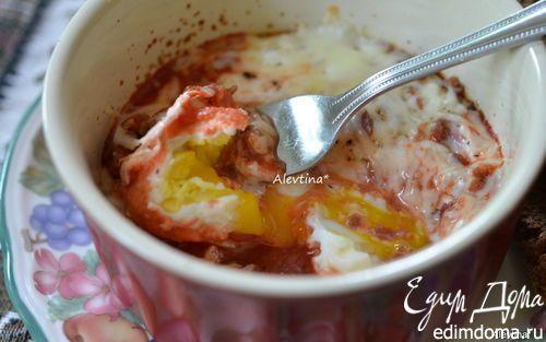 Запеченные яйца в остром томатном соусе   Кулинарные рецепты от «Едим дома!»