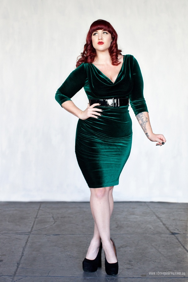 Curves to Kill...: Noir  Model - Teer Wayde   Clothing - www.pinupgirlclothing.com