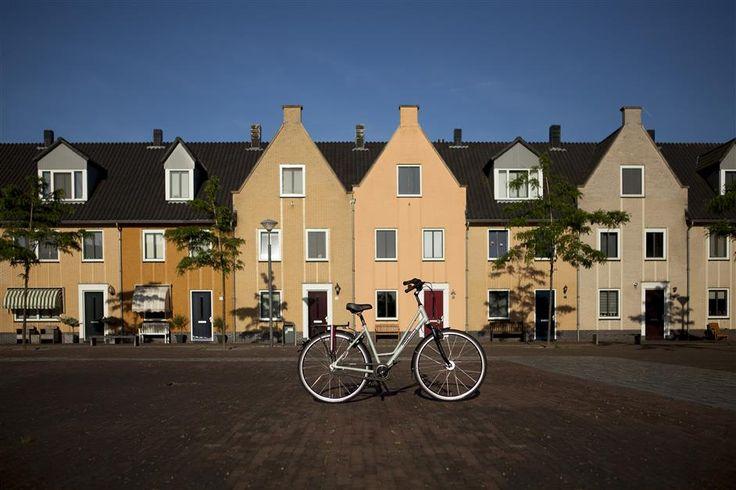 De kleur van een fiets is meestal de belangrijkste motivatie om voor een model te kiezen of niet. Bij een LIEFHEBBER fiets wordt het je wel gemakkelijk gemaakt. We hebbn 15 verschillende kleuren die ook nog eens in mat geleverd kunnen worden.