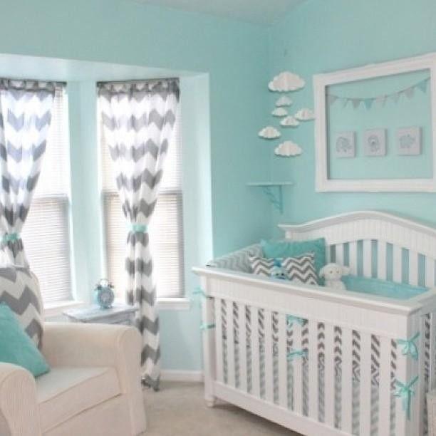 An elegant and simple crib to compliment a variety of nursery decor ideas! #Graco #Walmart #Nurserydecor #cribs