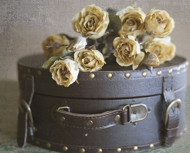 Decorating Hat Boxes Endearing 56 Best Vintage Hat Boxes Great In Any Decorimages On Pinterest Decorating Inspiration