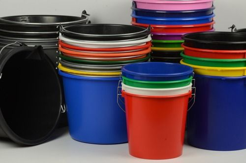 Assortiment Emmers-bedrukken.nl: 5 liter, 10 liter, 12 liter, 14 liter, 20 liter emmers. Kleuren: witte, rode, blauwe, zwarte, grijze, groene, oranje, gele emmers. Bedrukking: 1 kleur, 2 kleuren, 3 kleuren.. bedrukking
