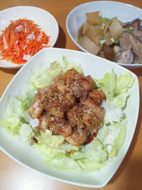 masamihoさんレシピの油淋鶏☆ 甘酸っぱいタレがほんとおいしくてご飯が進みまくりでした♪ おいしいレシピありがとうございました(๑ت๑)♡ もう5月というのに天然のブリあらが出てた(°0˚)のでぶり大根に。 - 31件のもぐもぐ - 油淋鶏*ぶり大根*ニンジンとハムのレモンマリネ by まゆき