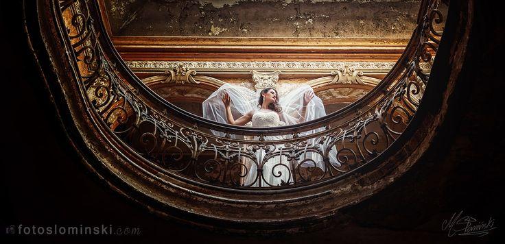 Dziś piękne #zdjęcia #ślubne z Pałacu w #Krowiarkach. To dość urokliwe ruiny (Pałac Donnersmarcków) w których gościłem kilka dni temu z Justyną i Błażejem. Więcej zdjęć już niebawem i dziś już Wam zdradzę że to jest wyjątkowa sesja :) Więcej niebawem.    Artystyczna fotografia ślubna Wrocław - Michał Słomiński