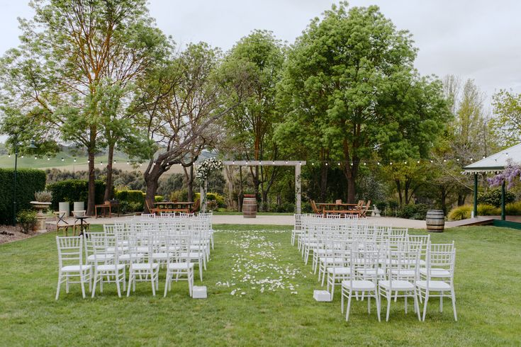 Gorgeous Country Wedding At Flowerdale Estate - Polka Dot Bride | Photo by http://www.michaelbriggs.com.au/